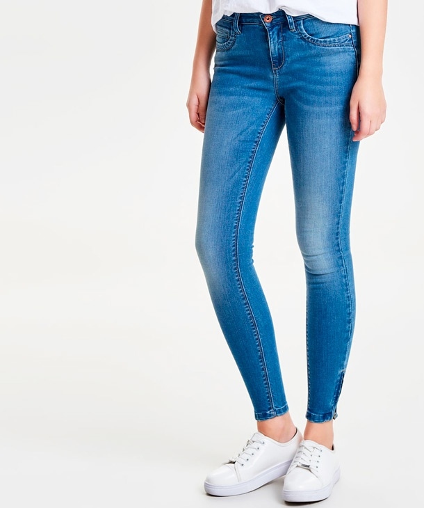 JEANS KENDELL CON ZIP SUL FONDO ONLY