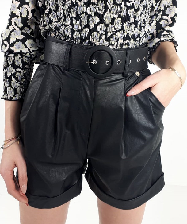SHORT IN ECOPELLE CON PINCES HOZONE